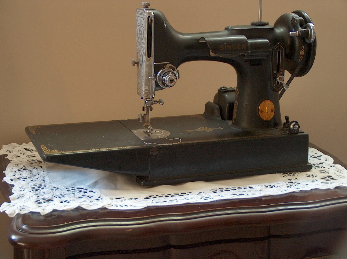 How to Clean and Care For Your Older Sewing Machine | From ...