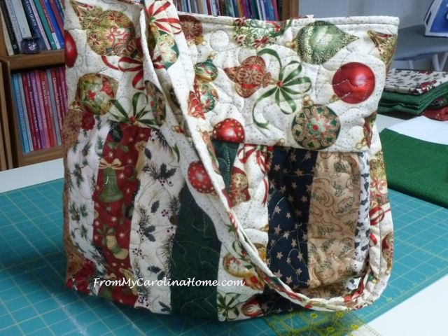 Charleston Christmas purse 4
